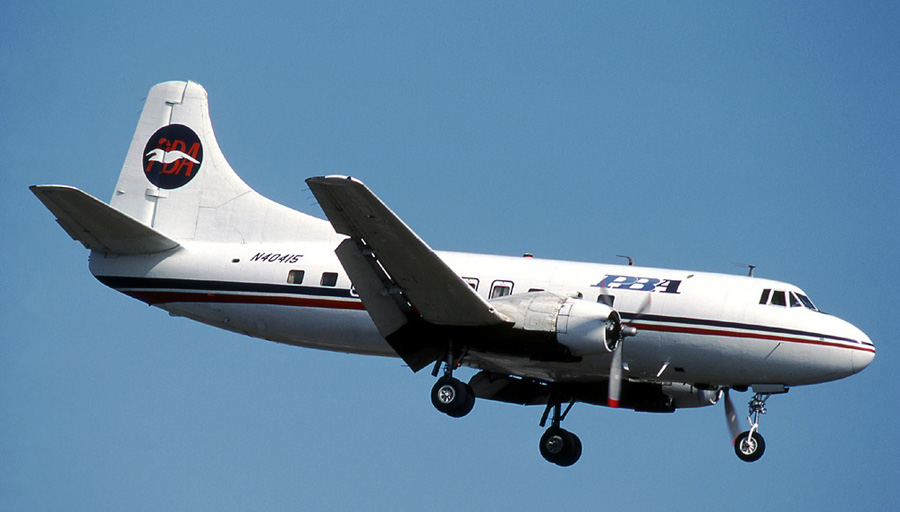 PBA Martin 404 N40415 on approach to Miami.