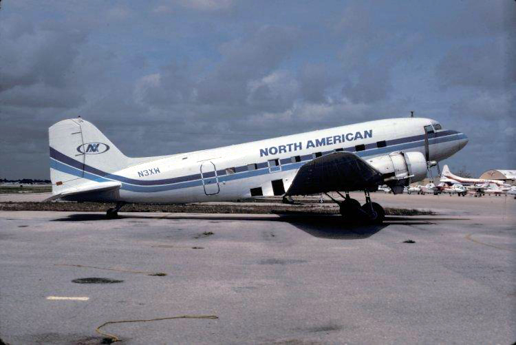 North American DC-3 N3XW