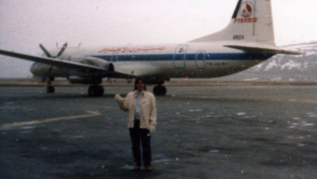 Nancy Zeglin poses with N924 (msn 2129) in Greenland.