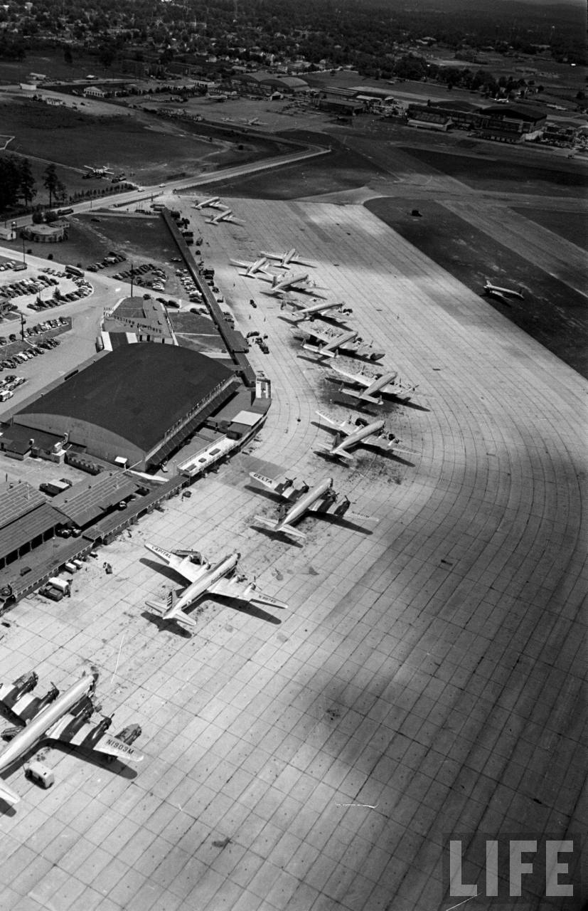 Aerial view of Atlanta Municipal Airport in 1949.