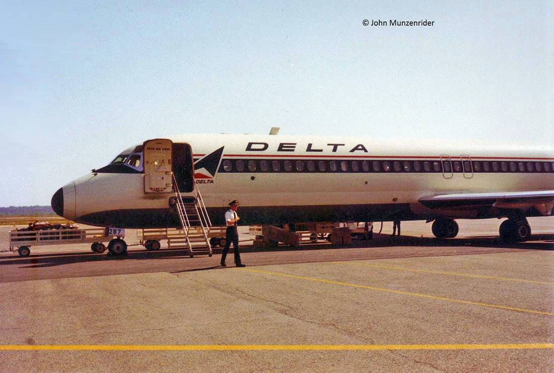 Delta DC-9 at Macon